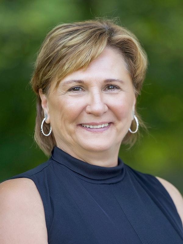 Lois Flynn